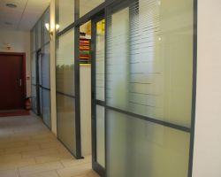 Cloison amovible vitr e de bureau open space isolation phonique nancy 54 clozal for Porte coulissante isophonique