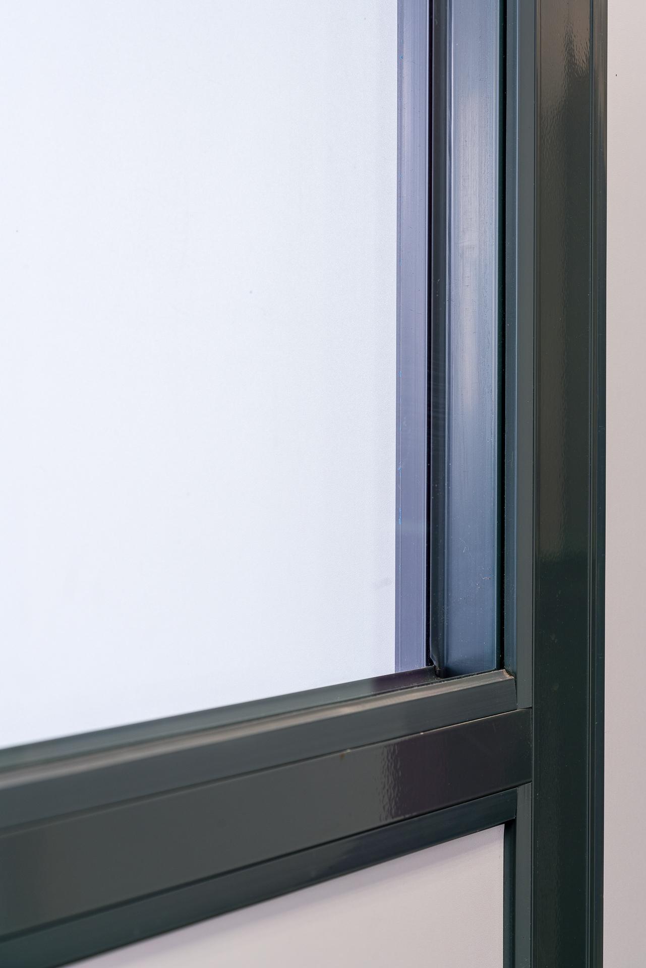 Cloison amovible vitr e de bureau ou pleine ossature aluminium 54 meurthe et moselle clozal for Porte coulissante isophonique
