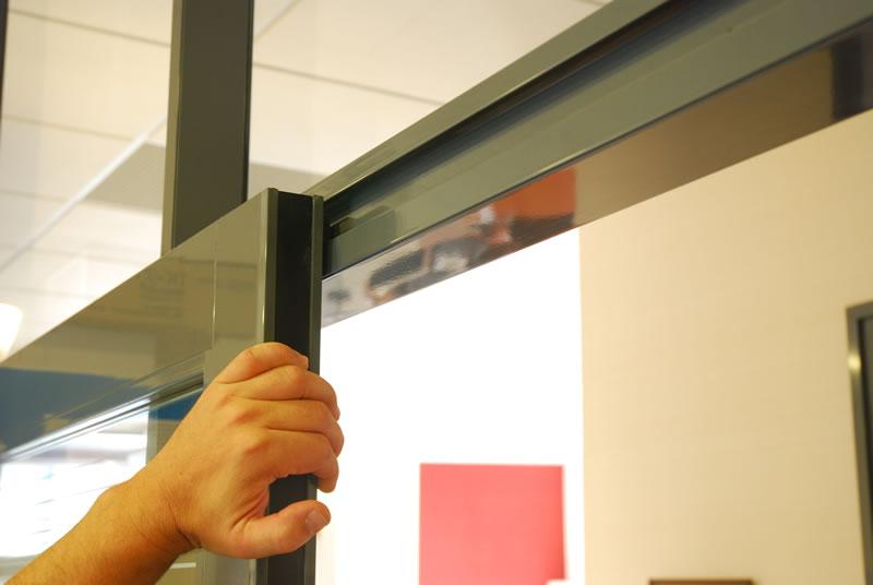 Portes pour cloisons amovibles en bois verre aluminium nancy metz clozal - Groom pour porte en verre ...